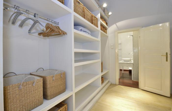 Designer Closet Guys Custom Linen Storage