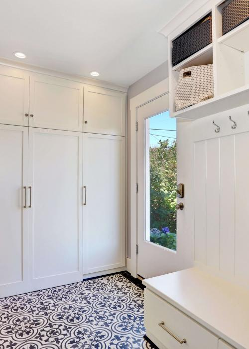 Superbe Off Kitchen Mudroom